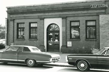 Exterior of the bank in 1950